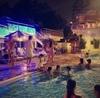 大人も楽しめる♪今年はナイトプールで夏を満喫!
